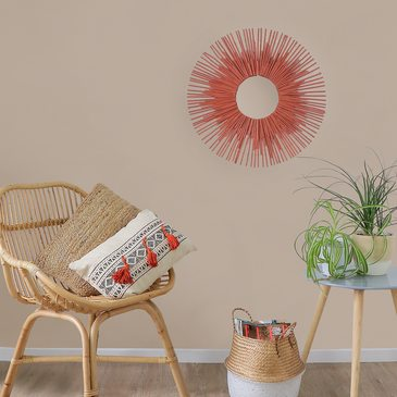 How to make a sun shaped wall decoration using recycled straws