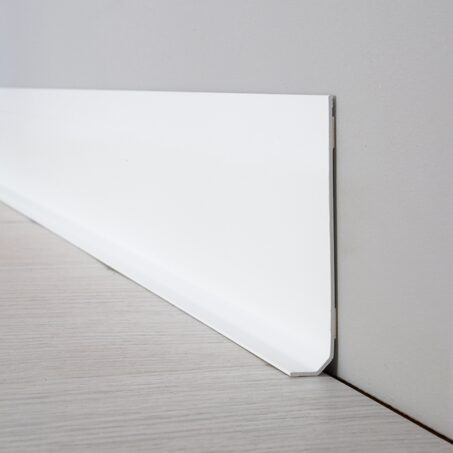 Decorative skirting board UNI