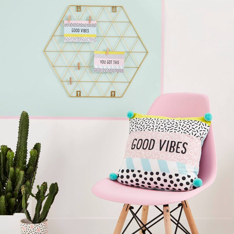 Coussin GOOD VIBES coloris multicolore 40 x 40 cm