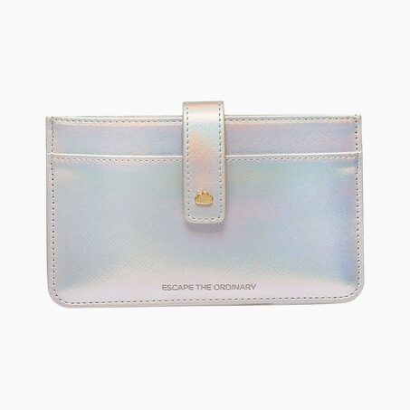 Pochette ESCAPE THE ORDINARY TRAVEL DOCUMENT WALLET coloris Iridescent